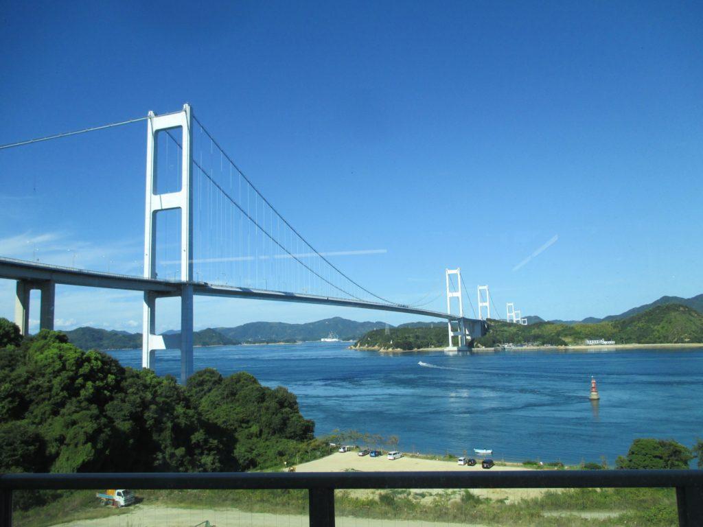 今治側から眺めるしまなみ海道 橋